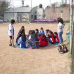 Fútbol participativo y campaña para bajar los precios