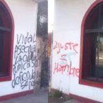 Pintadas y escrache en el local de la Unión Cívica Radical