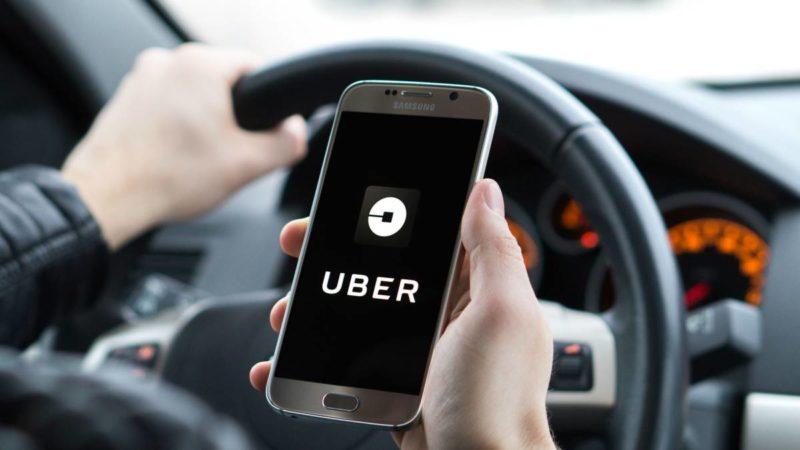 Uber opera en Moreno de modo ilegal