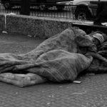 El frío, la calle y la ayuda estatal