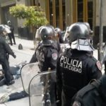 Represión contra actos en solidaridad con el pueblo chileno