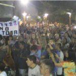 Pueblada y cacerolazo en la plaza de Alvear en Defensa del Agua