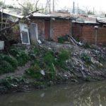 ¿Cómo quedarse seguro en casa?: millones de personas pasan la cuarentena hacinadas